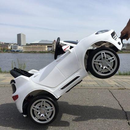 Электромобиль Porsche Macan (резиновые колеса, кожа, пульт, музыка, ГЛЯНЦЕВАЯ ПОКРАСКА)