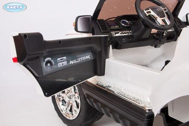 Электромобиль Ford Ranger F650 4WD MP4 черный (2х местный, сенсорная медиа панель, резина, кожа, пульт)